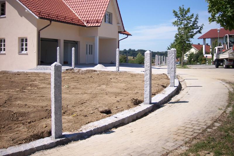 Säulen und Zäune