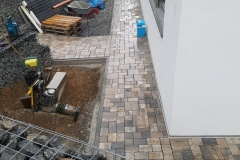 Gehweg und Wege / Bruchplatten aus Granit